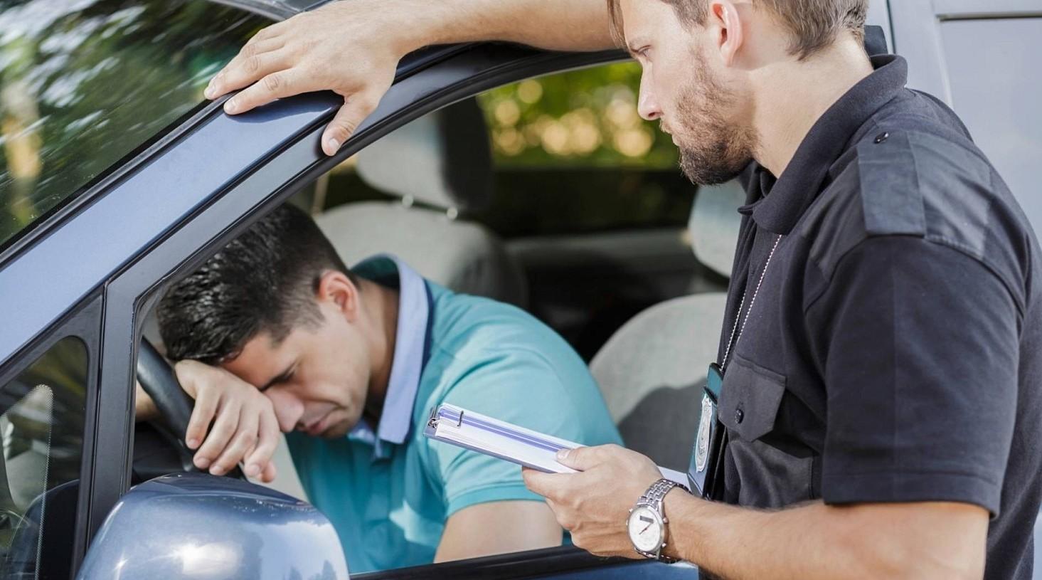 Multe auto aumentano i costi della notif