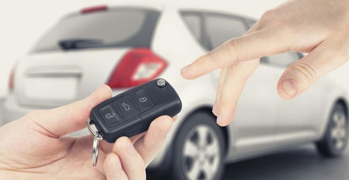 Noleggio auto a lungo termine o finanzia