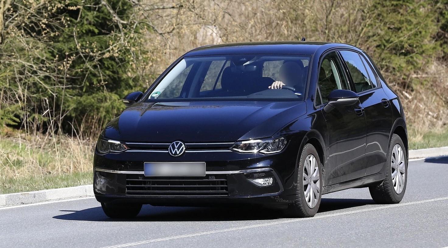 Nuova Volkswagen Golf 8, nuove foto e ca