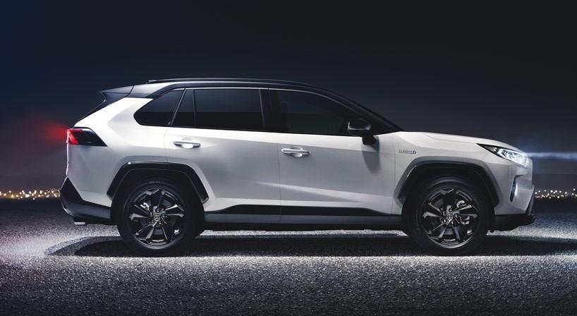 Nuovi suv Toyota 2019. I modelli in usci