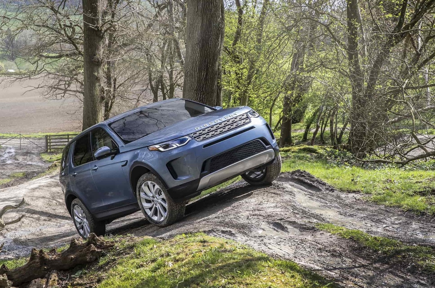 Nuovo Land Rover Discovery Sport: ibrido