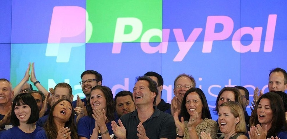 PayPal supera American Express e lancia