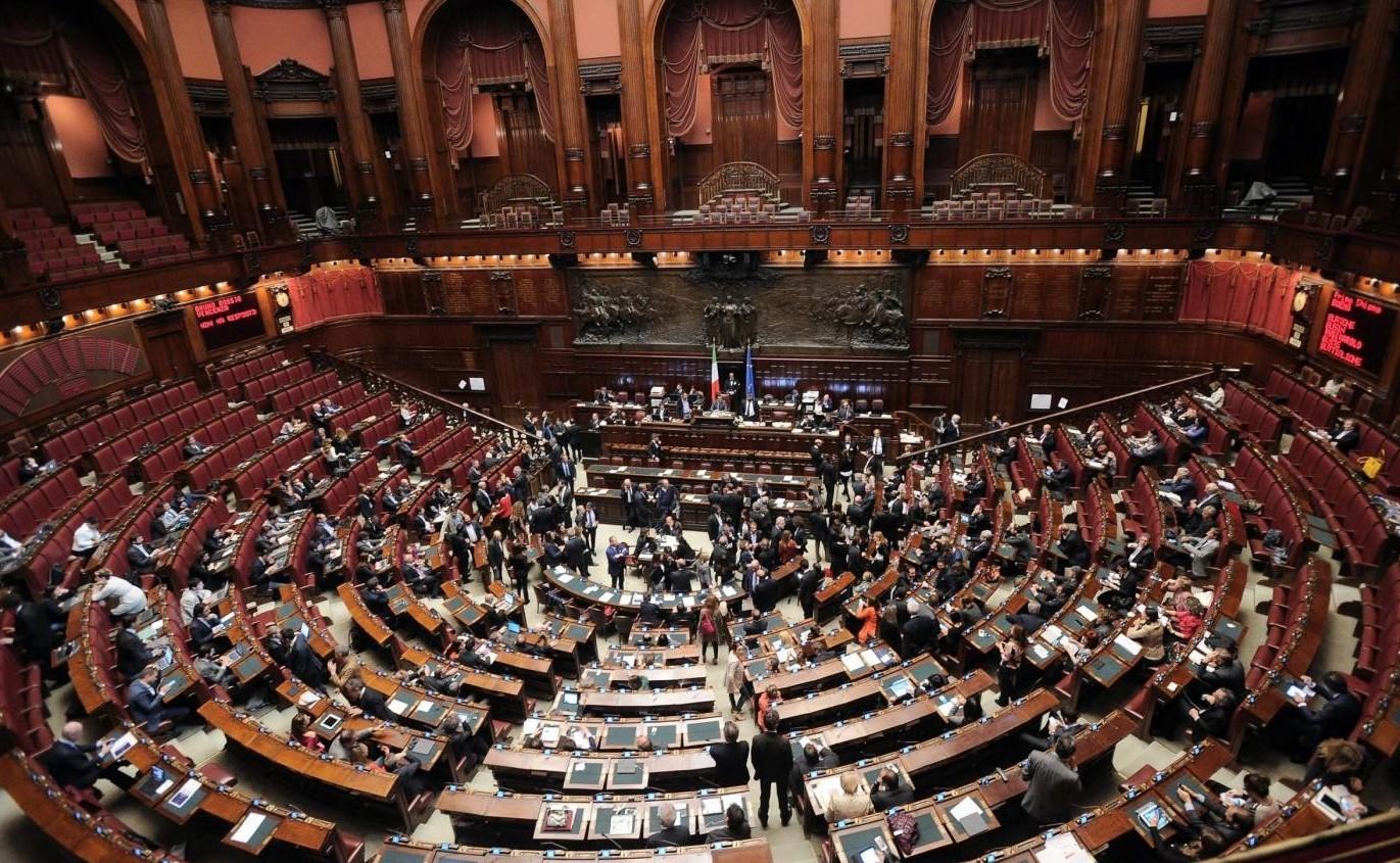 Pensione anticipata 42 anni e 10 mesi uomini e donne for Streaming parlamento
