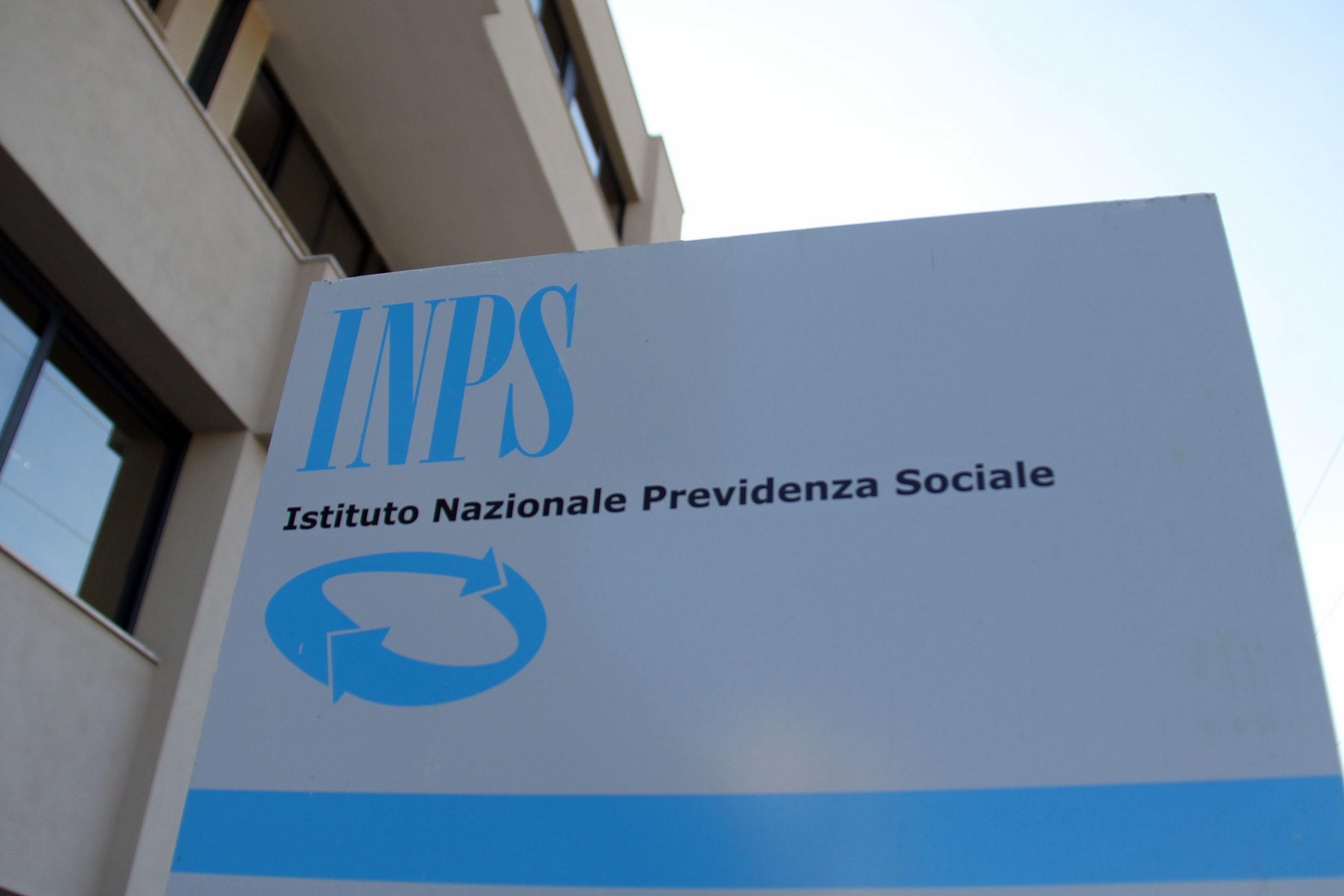 Pensioni novità, lettere INPS a milioni