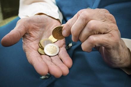 Pensioni novità età, contributi calcolo