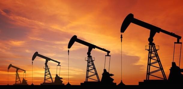 Petrolio, in rialzo per due elementi sco