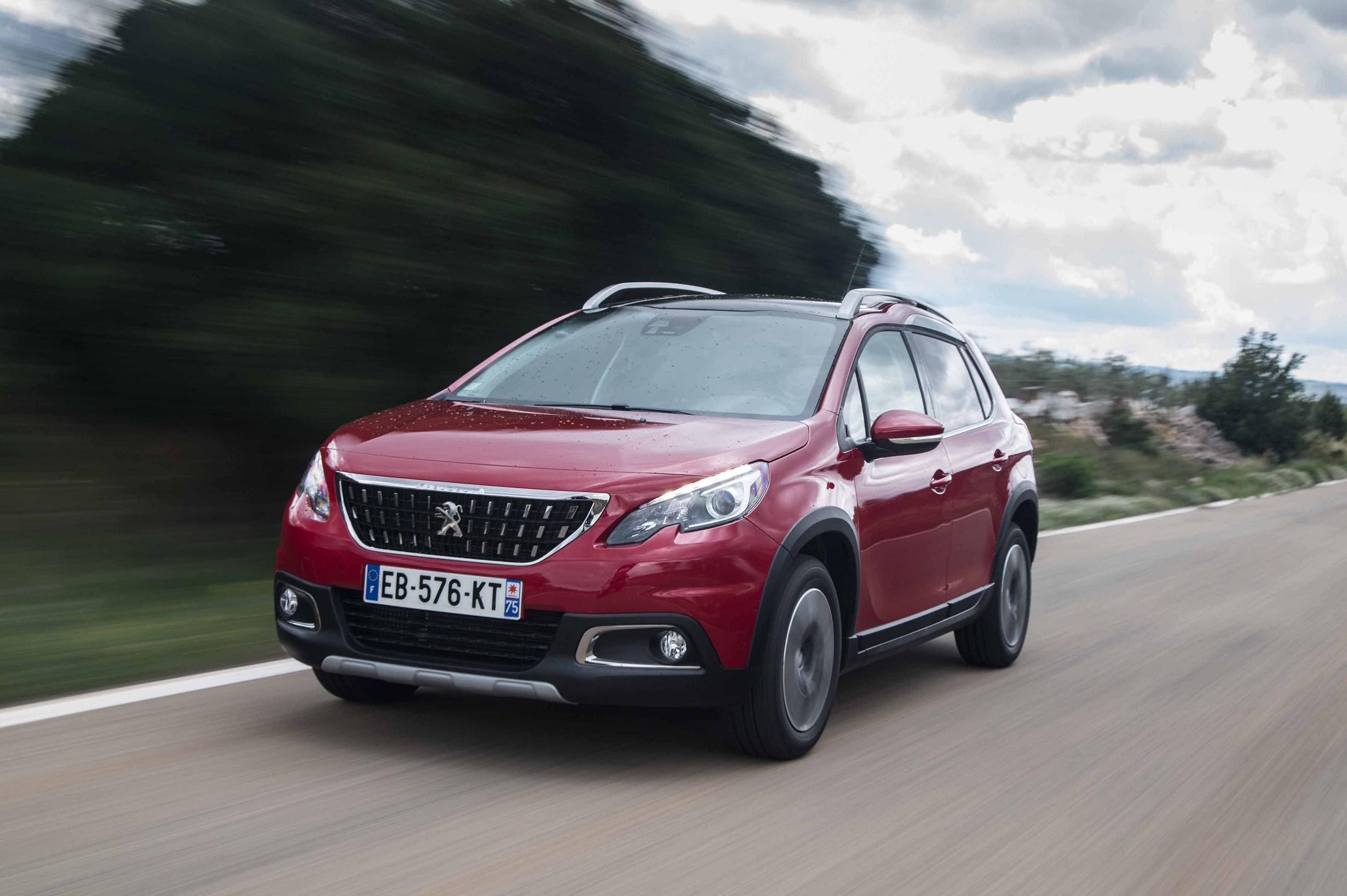 Peugeot 2008 2019 prova su strada e test