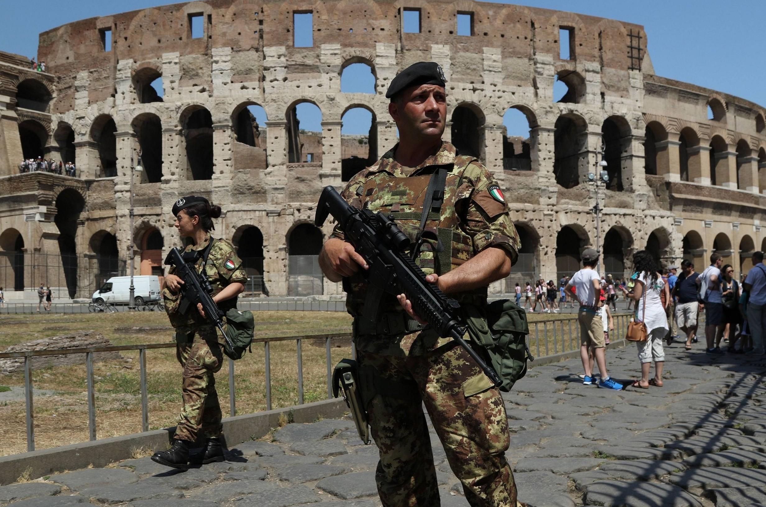 Polizia, soldati, Vigili del Fuoco: paga