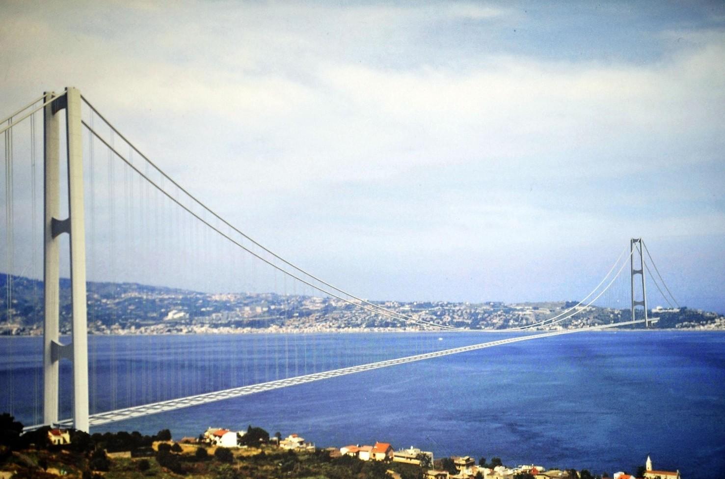 Ponte sullo stretto ritorna strategico.