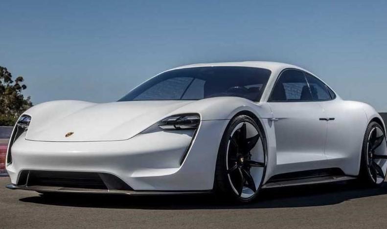 Porsche Taycan, ecco la prima auto elett