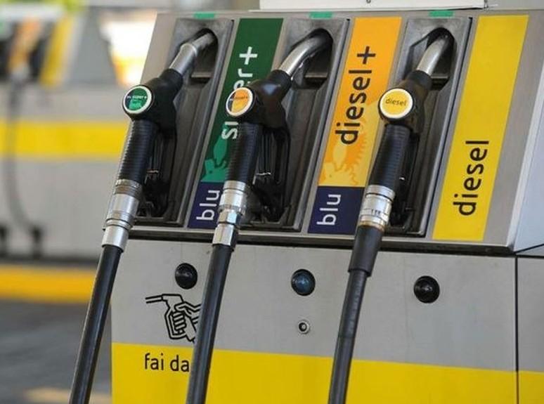 Carburanti, i rialzi ripartono e ulterio