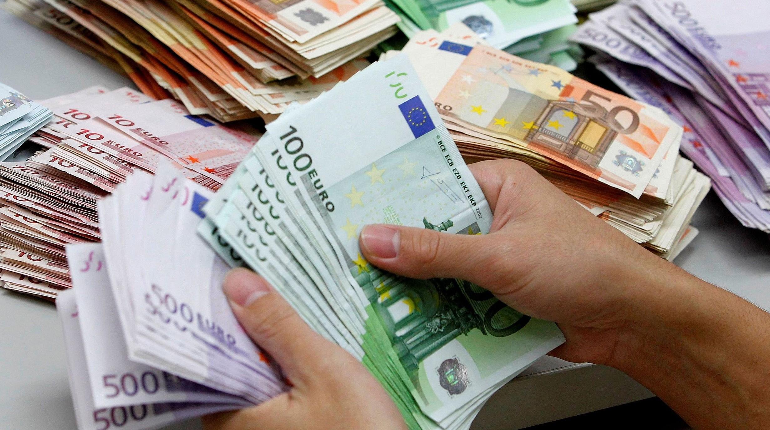 Un milione di euro rubato da conti corre