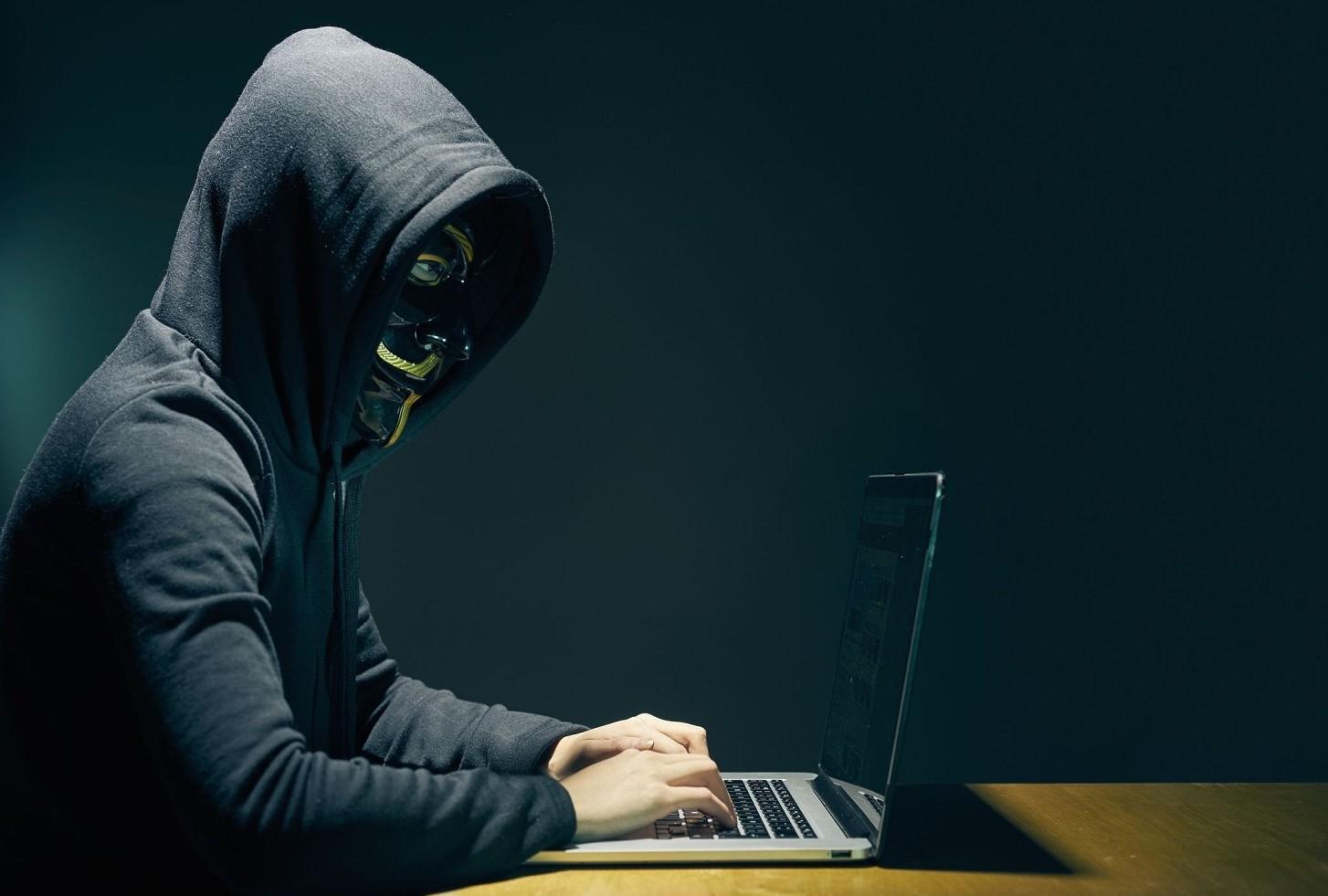 Rubati 8mila da hacker su conto corrente