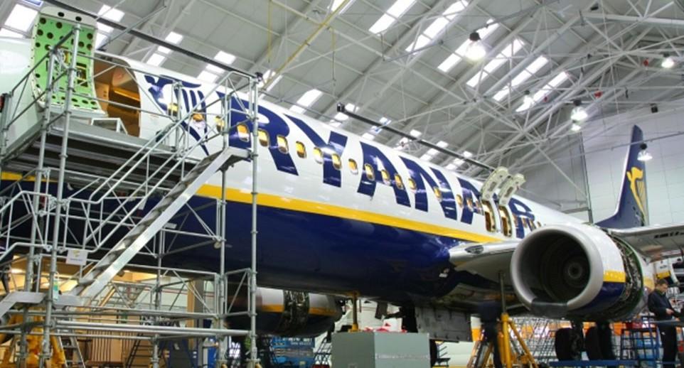 Ryanair, assume e cerca differenti profi