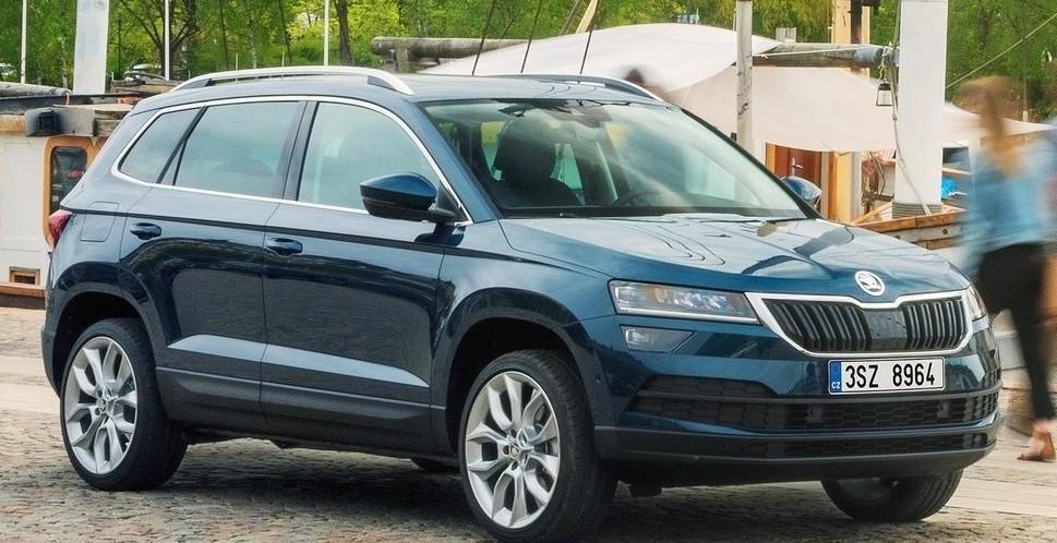 skoda karoq 2019 prezzi modelli motori allestimenti dimensioni consumi dotazioni