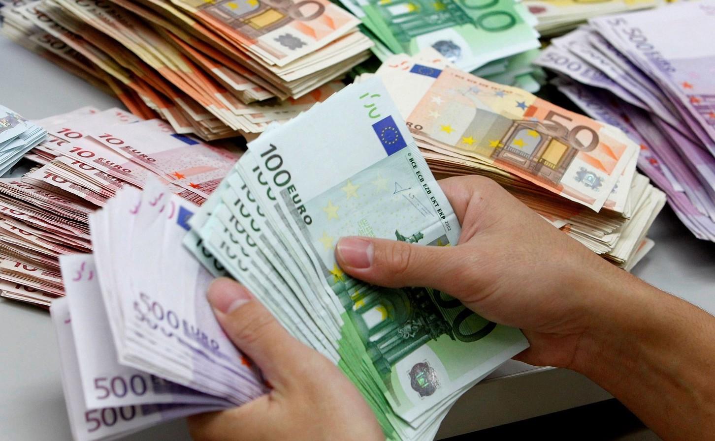 Stipendi e pensioni troppo bassi in Ital