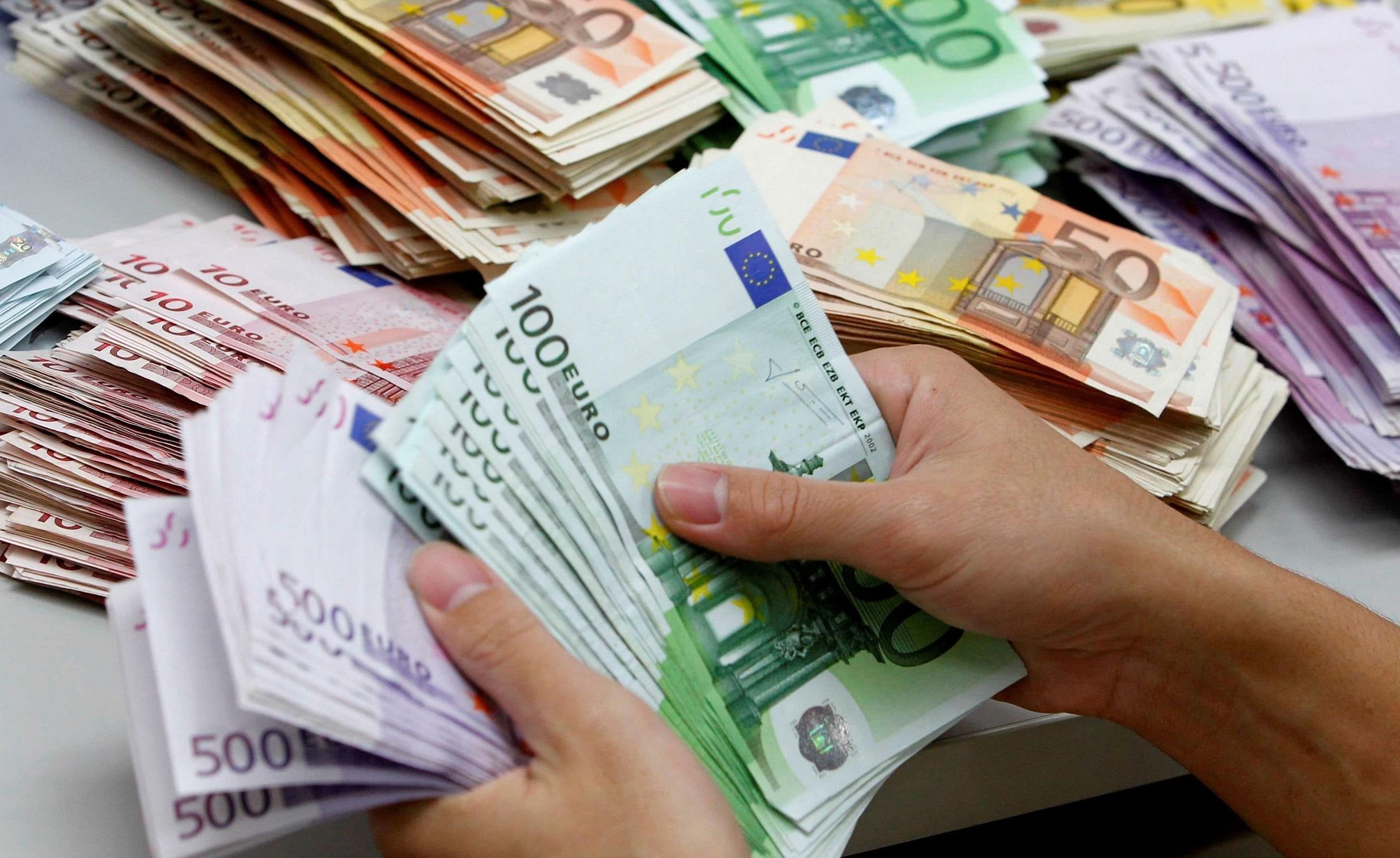 Stipendi in contanti, a chi possono esse