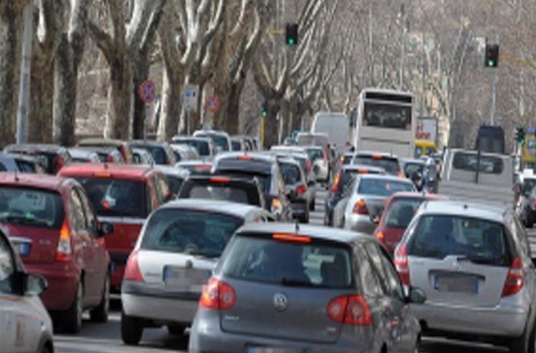 Stop veicoli benzina e diesel entro il 2