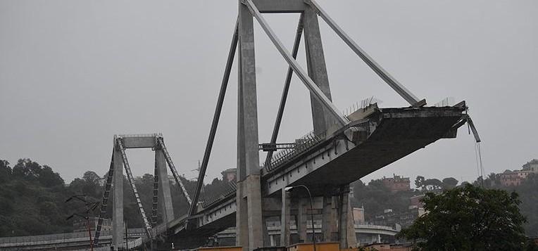 Storia di tutti i ponti crollati in Ital