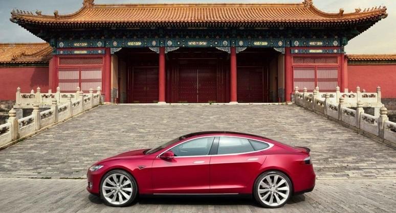Tesla costruisce innovativa fabbrica in