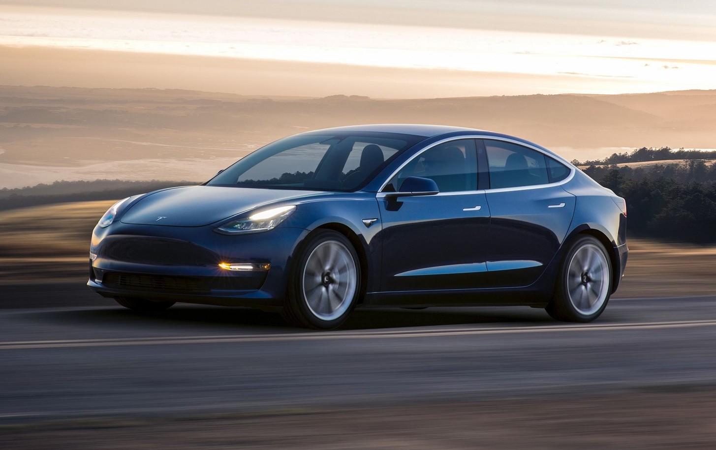 Tesla Model 3: produzione in crescita, c