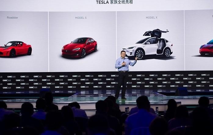 Tesla per salvare produzione va in Cina,