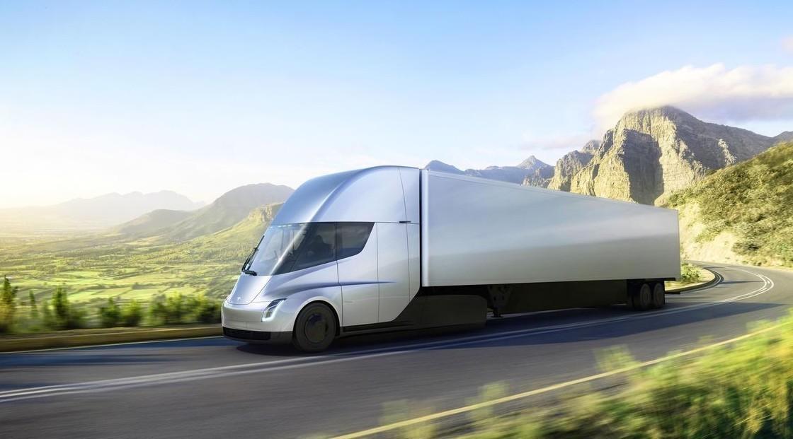 Tesla Semi Truck: prenotati 250 camion s