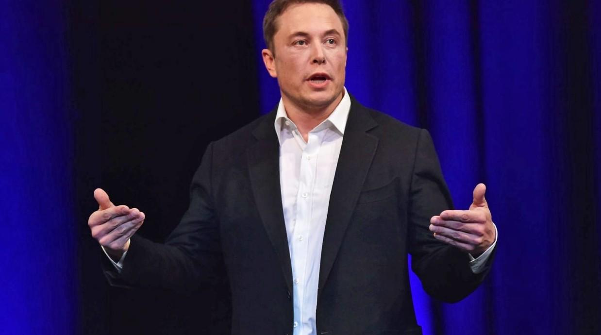 Elon Musk testa il suo micro sottomarino