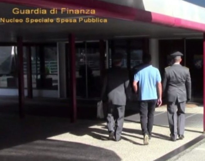 Torino, pensione della nonna morta ritir