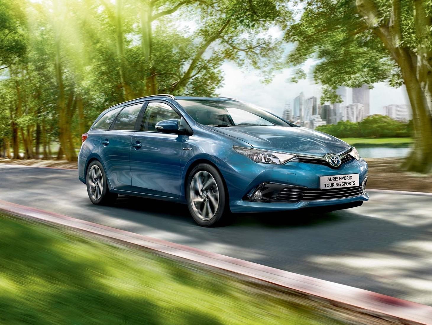 Toyota Auris Touring Sports presentata i