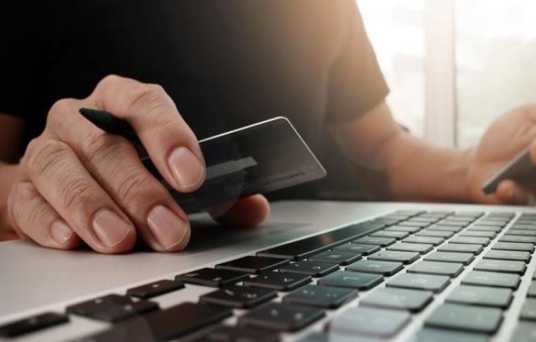 Truffe online, rubati milioni. Bnl, Unic