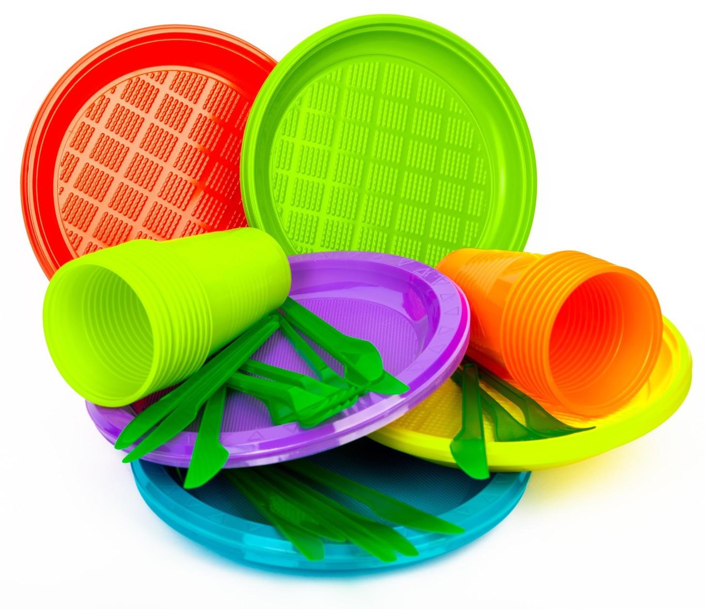 Europa stop a piatti e posate di plastic