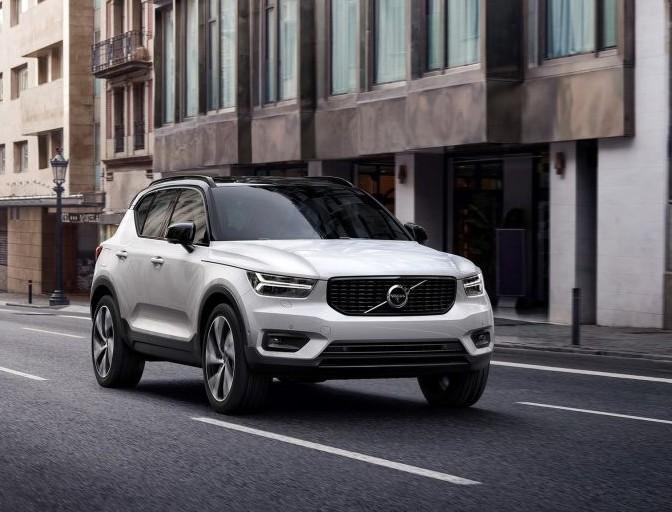 Volvo XC40 2019 nuovo suv compatto, tra