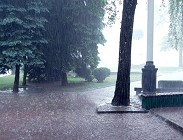 Allerta meteo oggi Milano, Brianza, Monza, Lombardia treni, metropolitana,strade bloccate, aerei aggiornamenti lunedì 17 Novembre