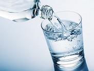 Acqua minerale contaminata