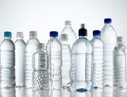 acqua minerale, contaminate, infetta, bottiglie