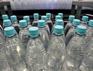 Acqua supermercato, � allarme per bottiglie