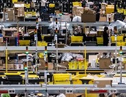 Amazon, sindacati, social, lavoro, Prefettura