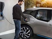 Pi� auto elettriche sulle strade