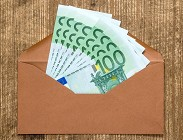 Coronavirus, a chi bonus 100 euro