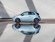 Fiat 500 ibrida, i pregi