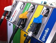 Manovra taglio accise benzina