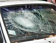 Vetro macchina rotto e assicurazione auto