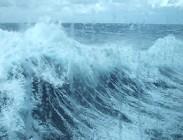 Nave da crociera, tempesta, paura, equipaggio, passeggeri