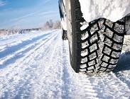 Pneumatici invernali o catene da neve