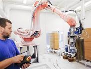 Robot costruisce una sedia Ikea