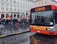 Sciopero venerdì oggi Roma, Bologna, Genova, Milano treni, metropolitana, autobus: quando finisce, fasce garantite 15 Maggio 2015