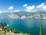 Turista, lago, paura